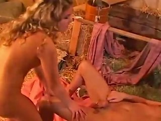 Hardsex And Creampie In Cowshed